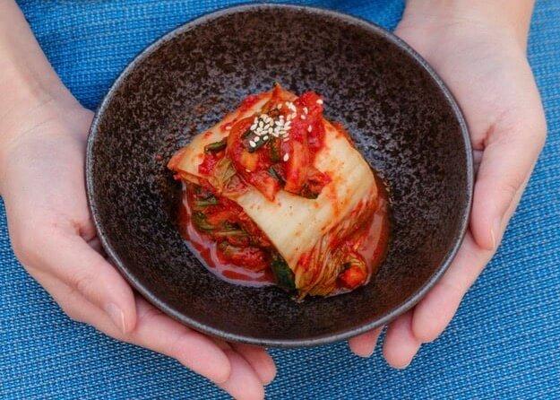 kimchi hand bowl